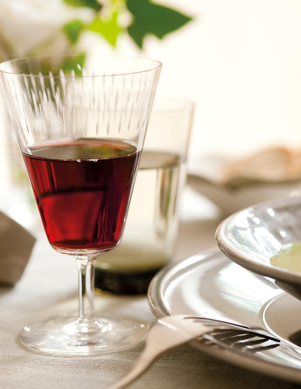 ¿Cuántas calorías tiene una caña? ¿y una copa de vino?