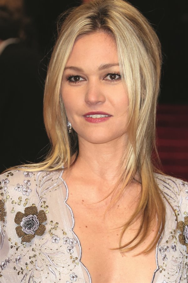 Pelazo celebrities Julia Stiles. Hair contouring