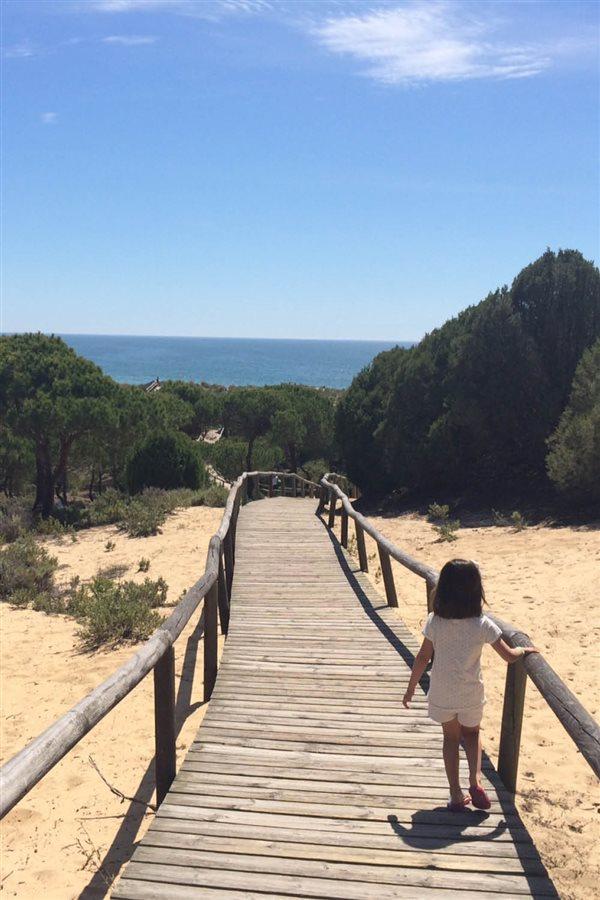 viajar con niños verano 2017 Los Enebrales Punta Umbría huelva. Siéntete como Robinson Crusoe