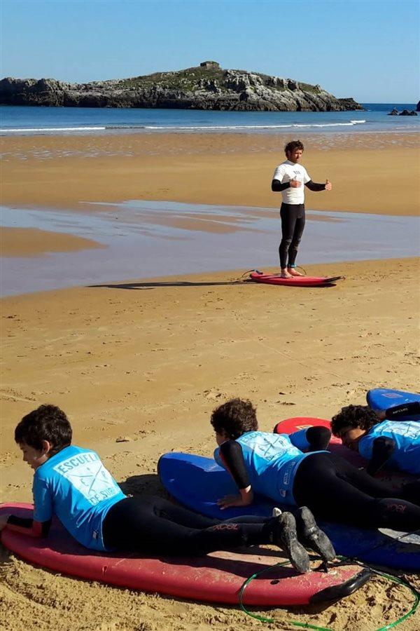viajar con niños verano 2017 surf cantabria. Aprende surfing en Noja (Cantabria)