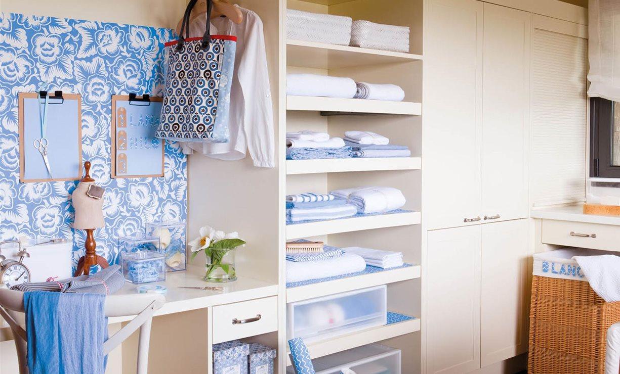 Empapelar armario empapelar puertas armarios me gusta for Papel para empapelar armarios