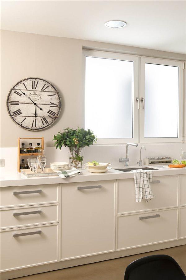 Consigue adelgazar haciendo unos cambios en tu cocina y tu - Reloj pared cocina ...