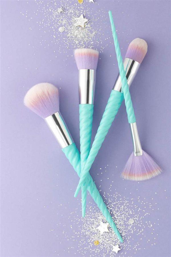 a51d8437f Manual de uso de las brochas de maquillaje
