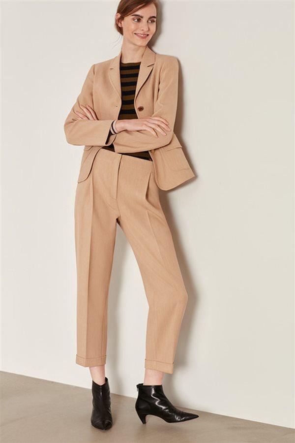 Los pantalones que se llevan en otoño  formas y colores b43223751cad