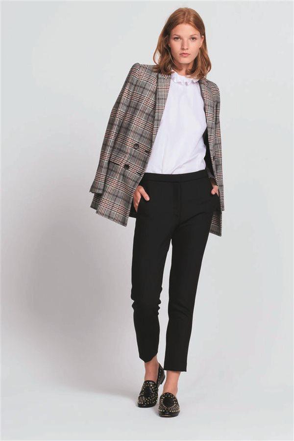 45fdda51bbef7 moda mujer look clasico otoño invierno 2018 sandro pantalon pinzas 175€.  Prendas de calidad