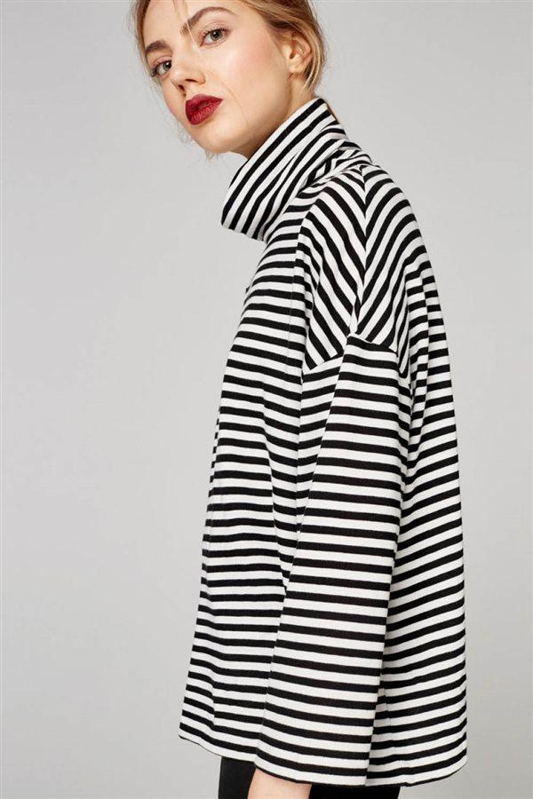 ropa mujer look urbano otoño invierno 2018 uterque SUDADERA RAYAS 69 a3e83e806390