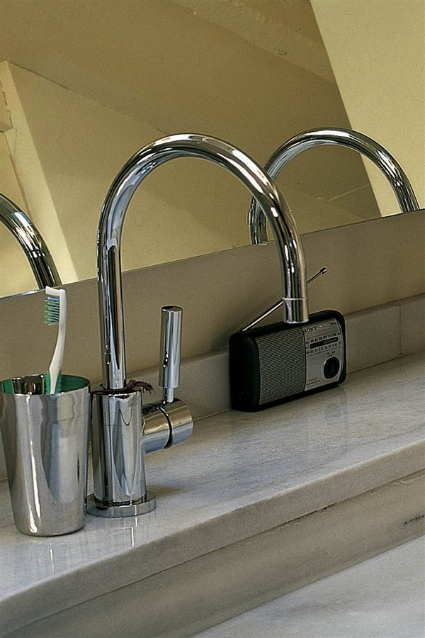 cosas de baño griferia lavabo radio. 10. Electrodomésticos no resistentes  al agua 195e922e8c62