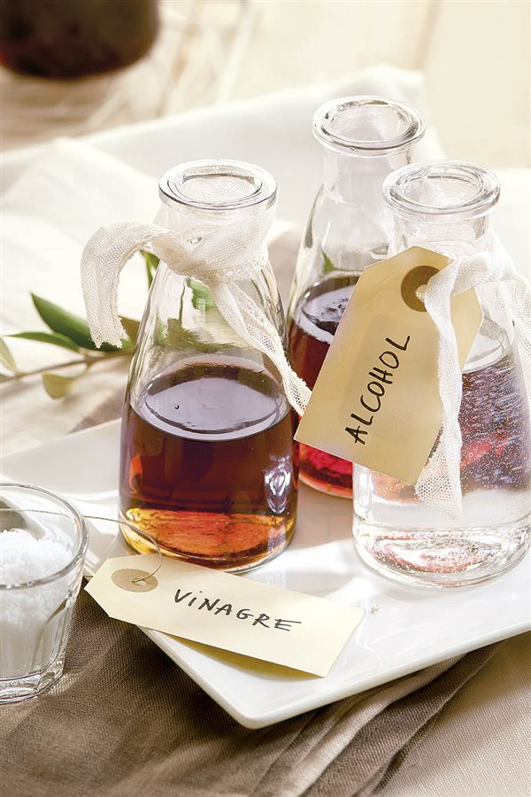 Los mejores productos de limpieza caseros - Alcohol de limpieza ...