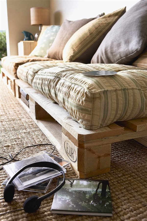 ideas diy pale sofa. Decorar con palés