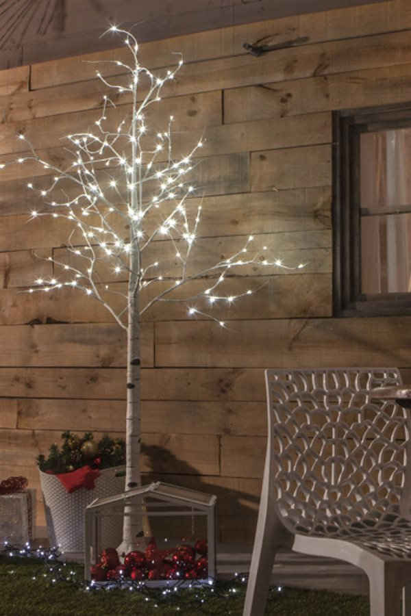 30 ideas de decoraci n navide a que puedes encontrar ya en for Luces de navidad leroy merlin
