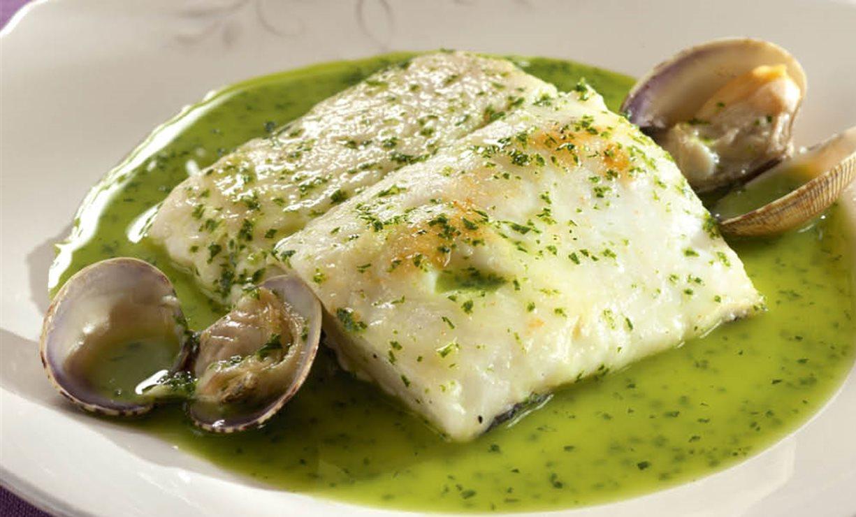 Resultado de imagen para Merluza en Salsa Verde