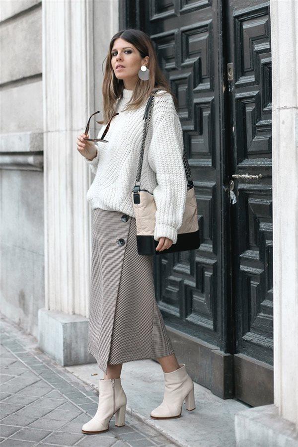 c5a7ae76ef Cómo llevar la falda midi con estilo