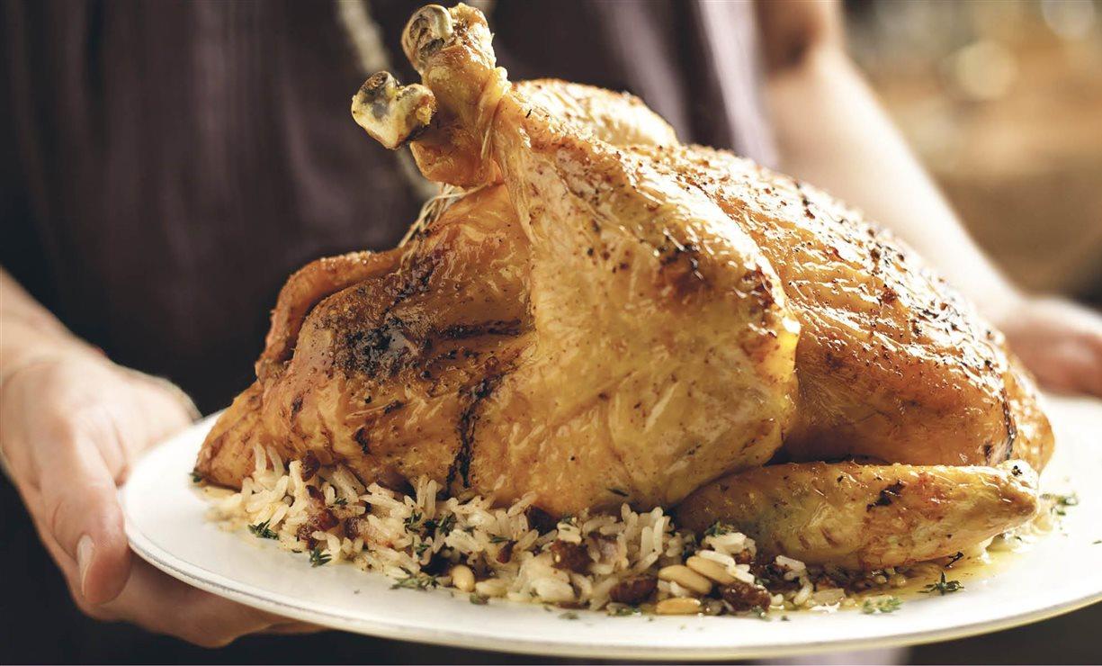¿El pollo asado que venden es igual de sano que el casero?