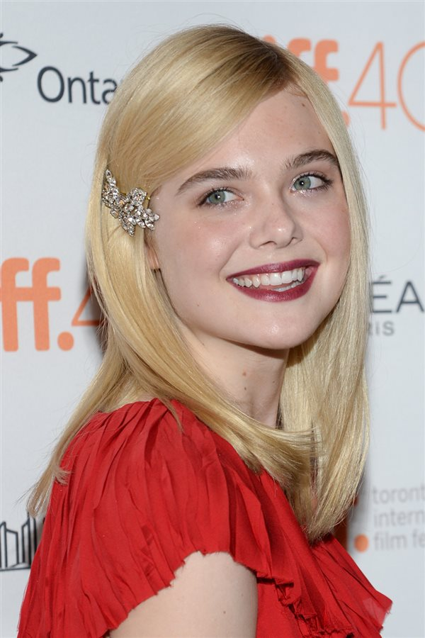 bad day hair elle fanning. Coloca un pasador