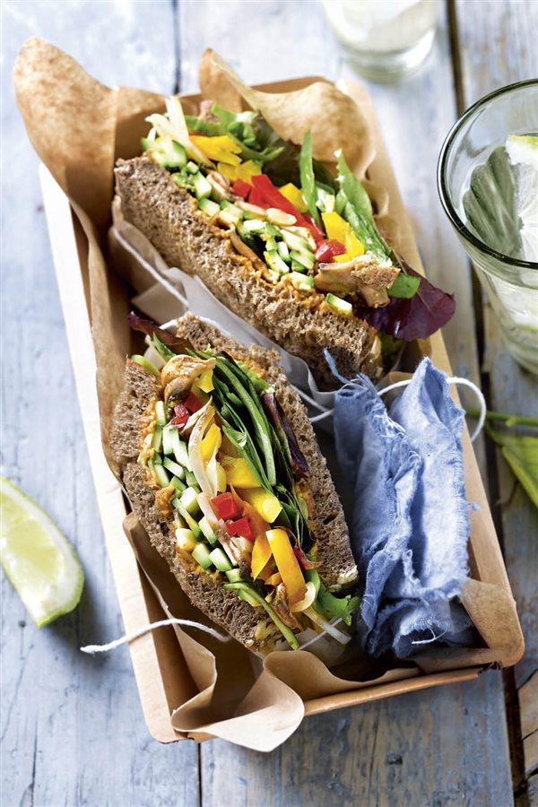 desayunos saludables20. Sandwich vegetal