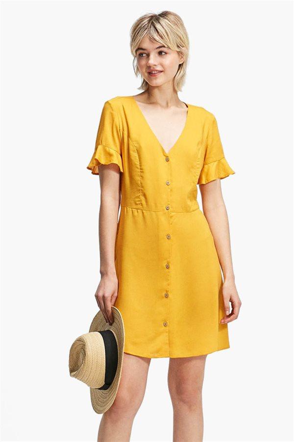 3c030a85d58cf vestidos low cost primavera verano 2018 amarillo stradivarius. ¿Te atreves