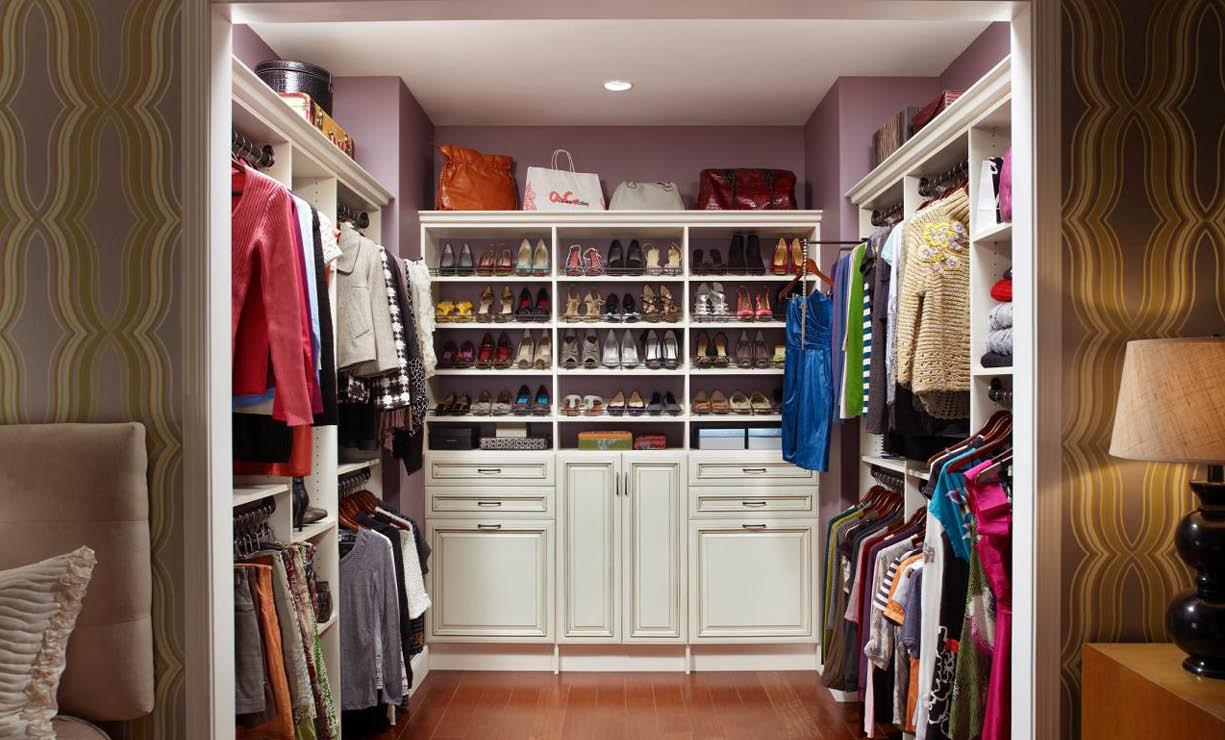 C mo hacer un armario c psula con 16 prendas - Vestir un armario por dentro ...