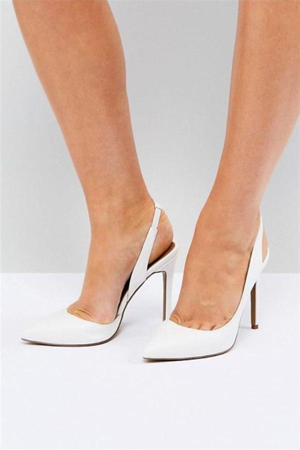 Cómo llevar zapatos blancos de mujer en verano 2018