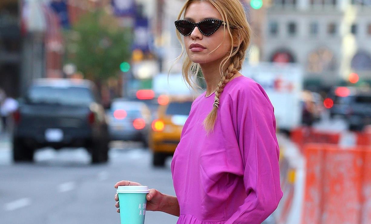 27c18239b El color rosa fucsia está de moda este verano 2018