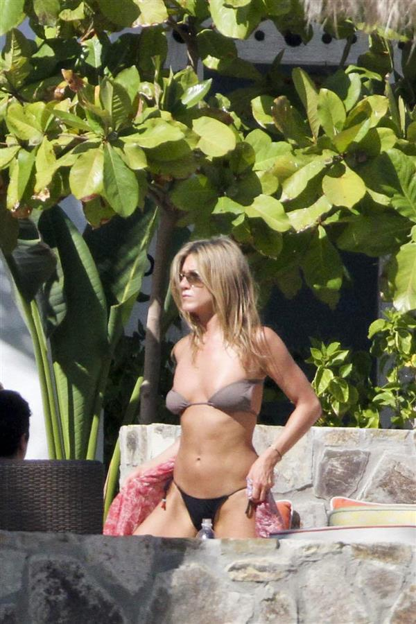 trucos famosas cuerpo biquini jennifer aniston. Jennifer Aniston