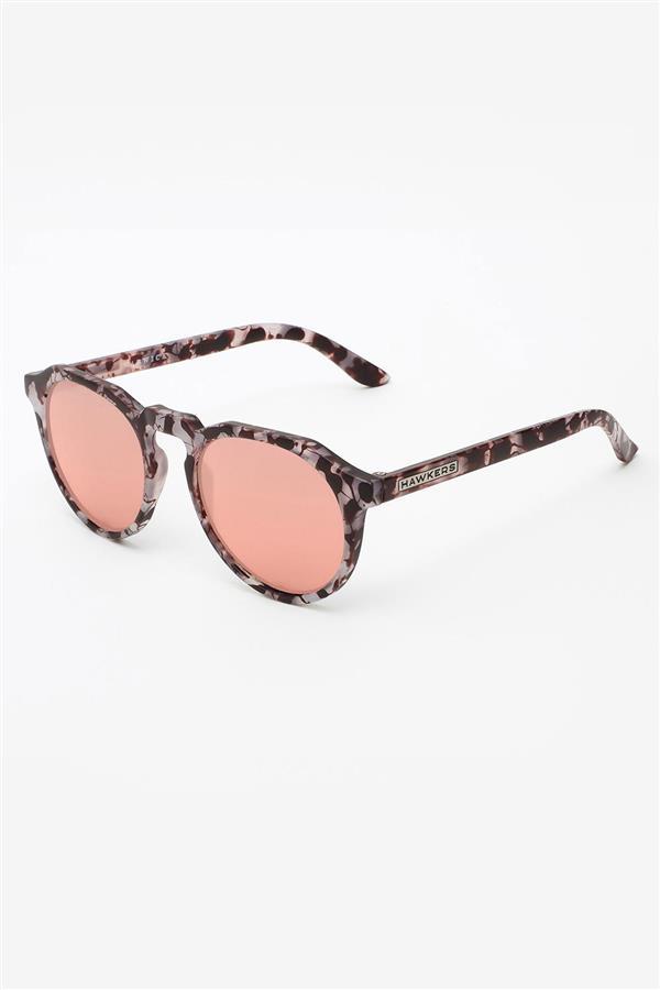 357720deb7 Las gafas de sol de mujer que más se llevan en verano