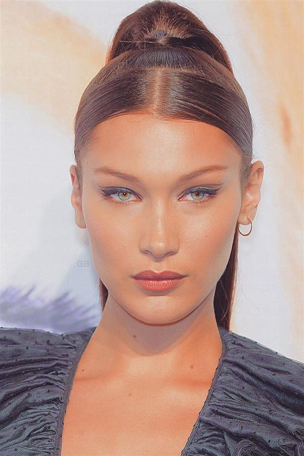 bella-hadid-eyebrows. Las cejas de Bella Hadid