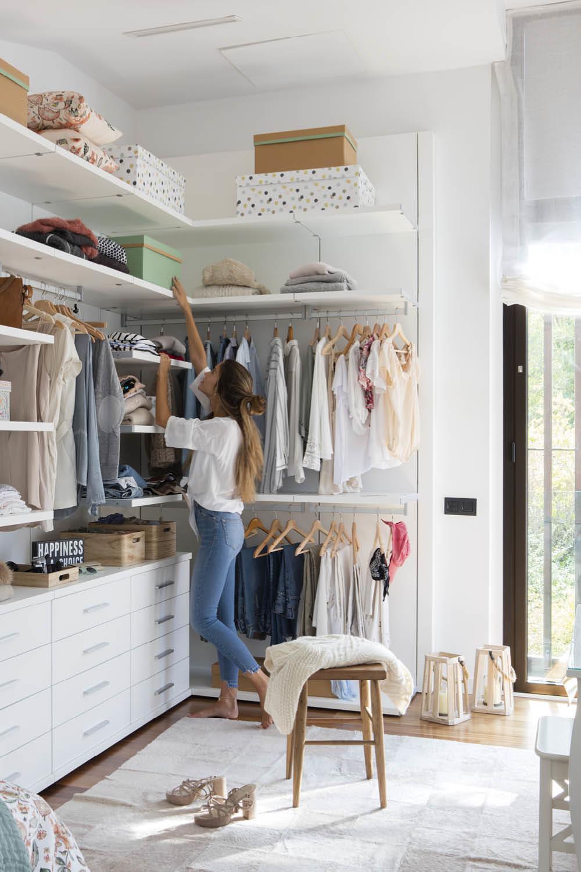 adce4e10666a No llenes mucho el armario. Si no, la ropa se rozará más ...