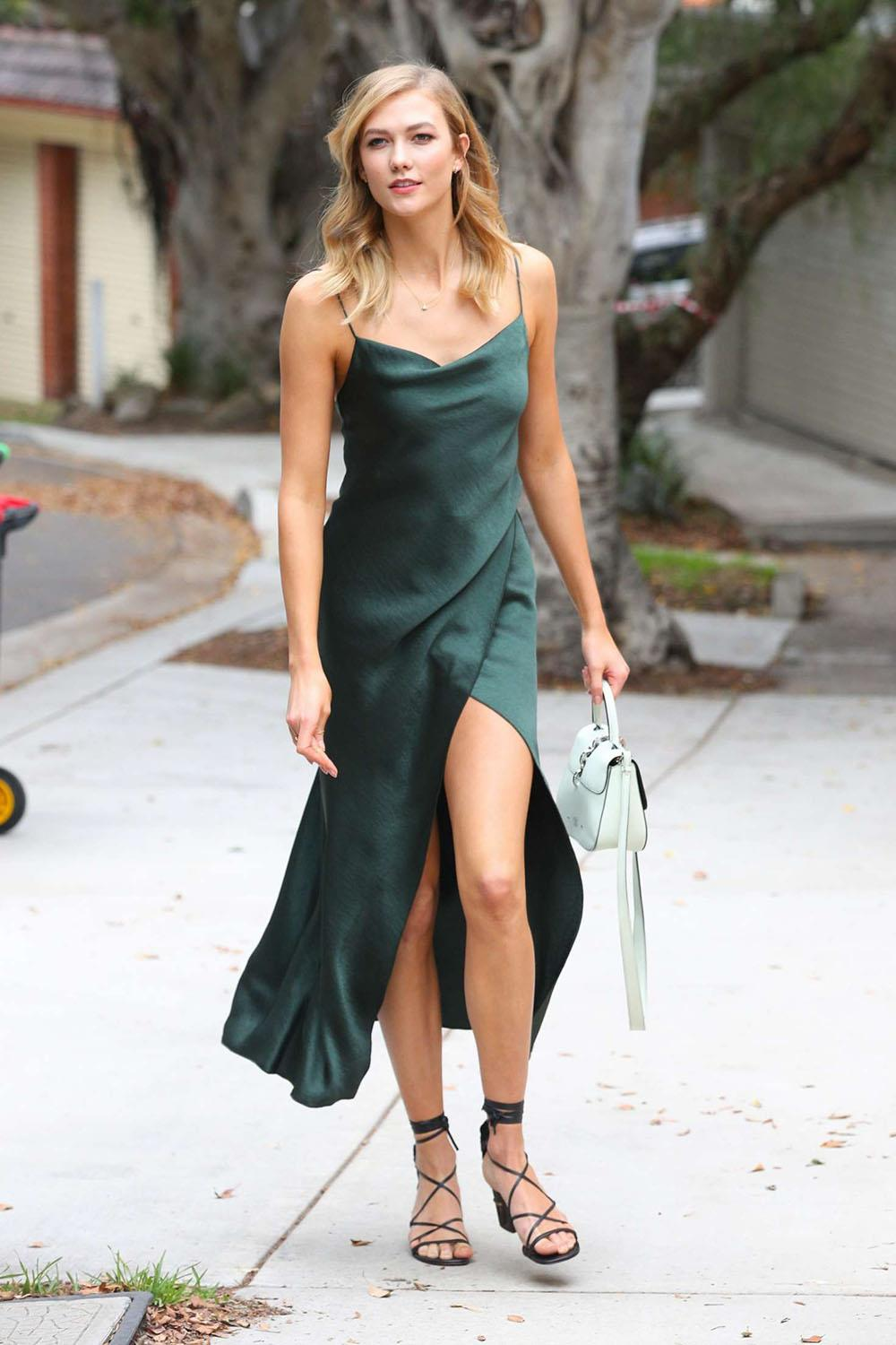 Karlie-Kloss -Wearing-a-green-dress--06. Al estilo de Karlie Kloss