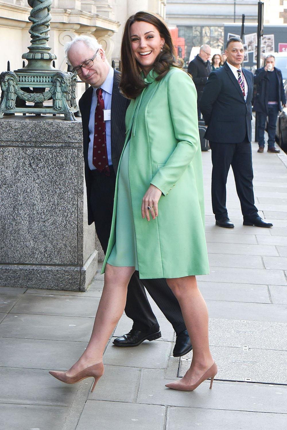kate middleton green outfit 2. Al estilo de Kate Middleton