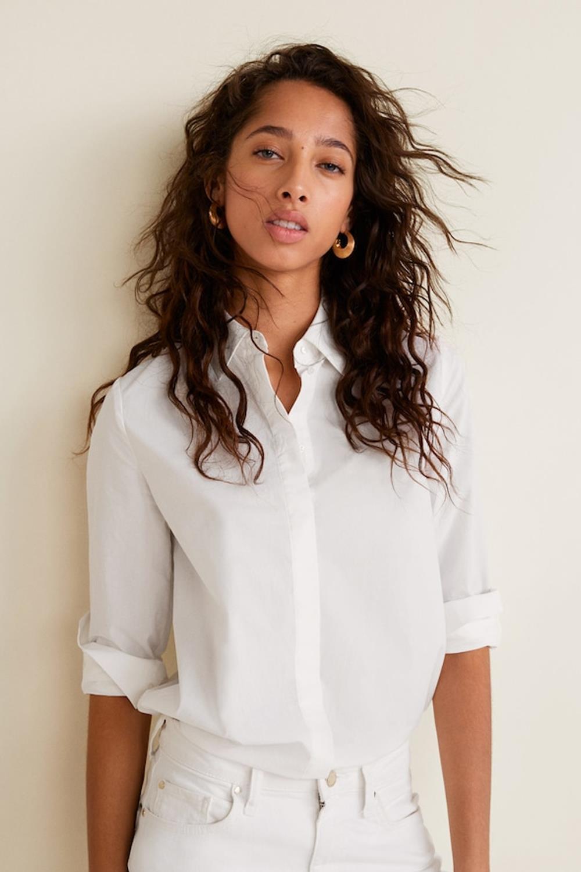 6499bab58 11 looks con camisa blanca que te alegrarán el día