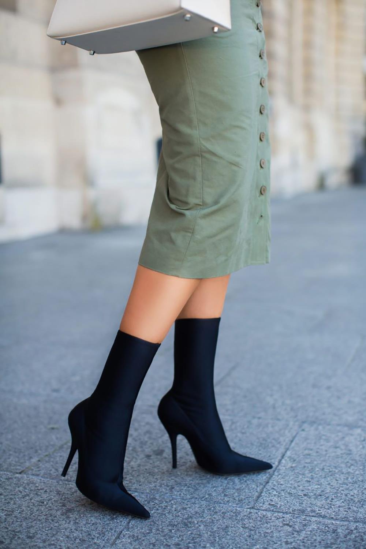 37644be7c52 Tendencia  botas calcetín y cómo llevarlas con