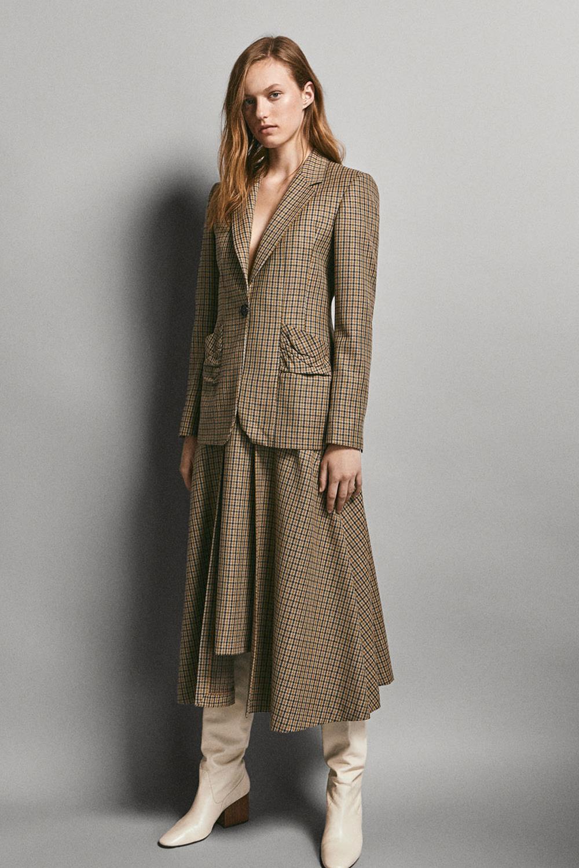 8e26e171 Los trajes de mujer más bonitos para este otoño invierno 2018-2019