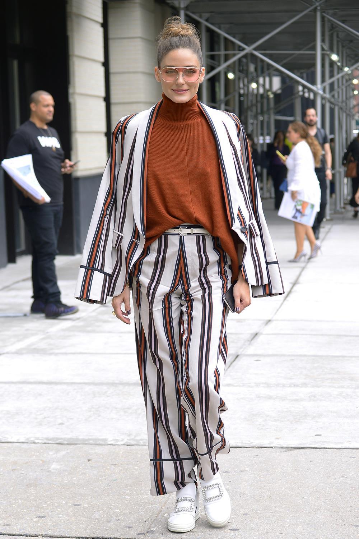 Street style  los mejores looks de otoño con tu ropa de verano 9e9b698b4e6