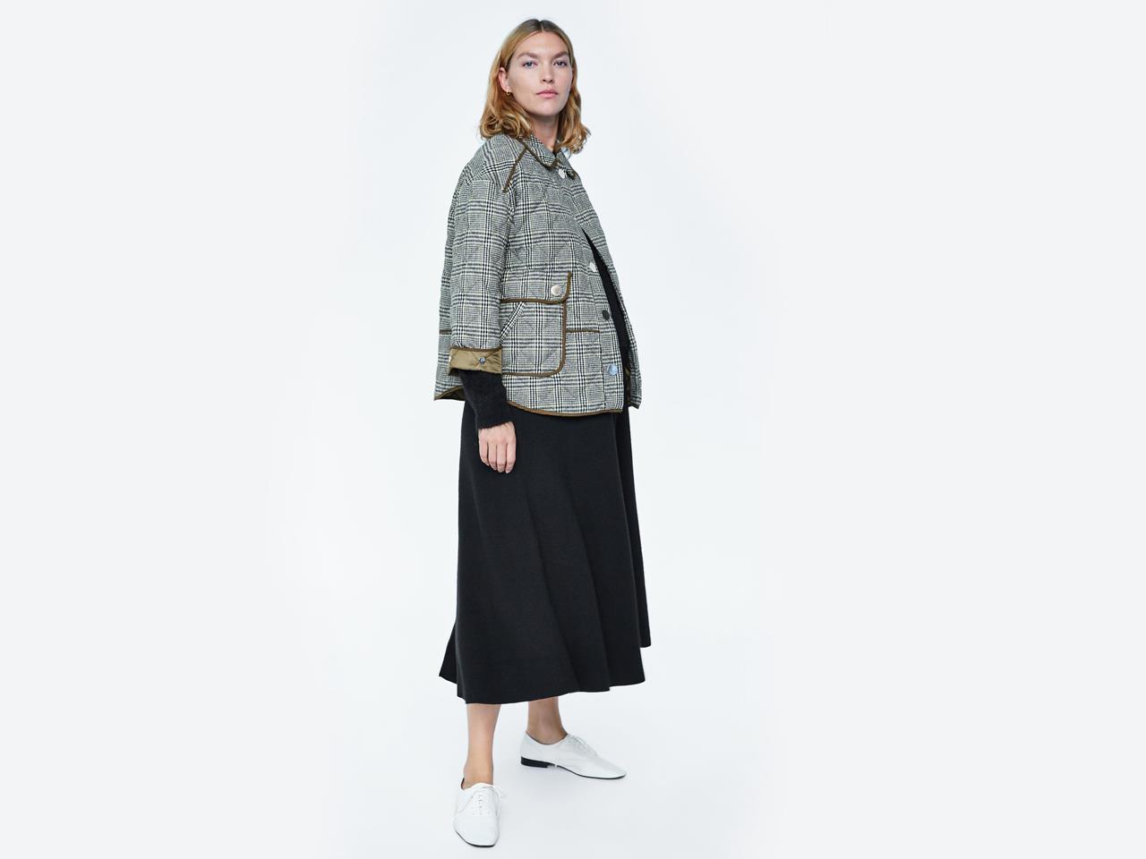 b26a9a1e3 meghan markle embarazada colección premamá zara chaqueta. Para Balmoral