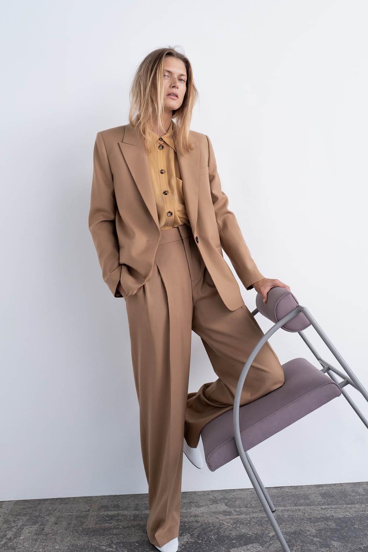 a106d771200 Zara presenta la colección Timeless para mujer y nuestra tarjeta ya ...