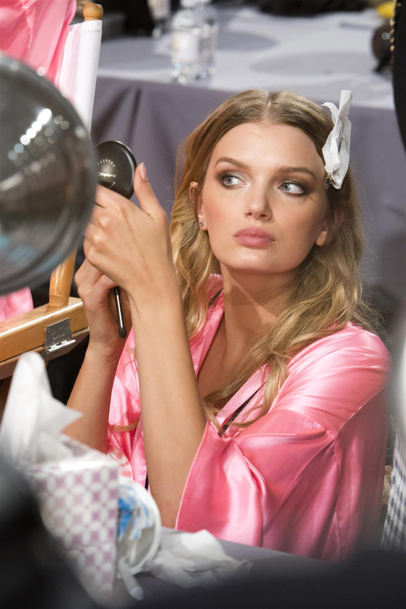 7d42e944a Toma nota de los mejores productos de maquillaje para la piel grasa y  olvídate de los incómodos brillos conforme pasan las horas. Conseguir un  'beauty look' ...