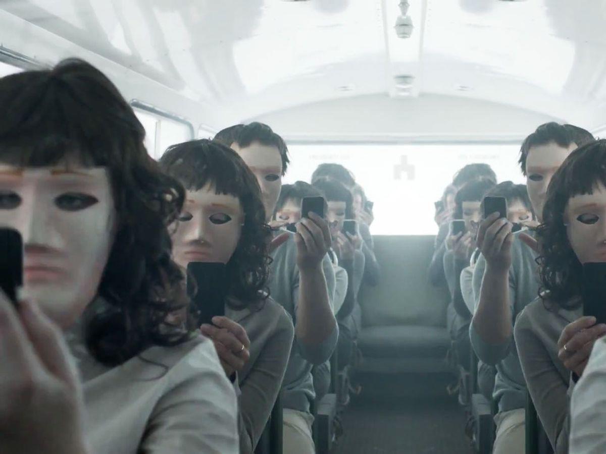 netflix-black-mirror-serie. Black Mirror (2011)
