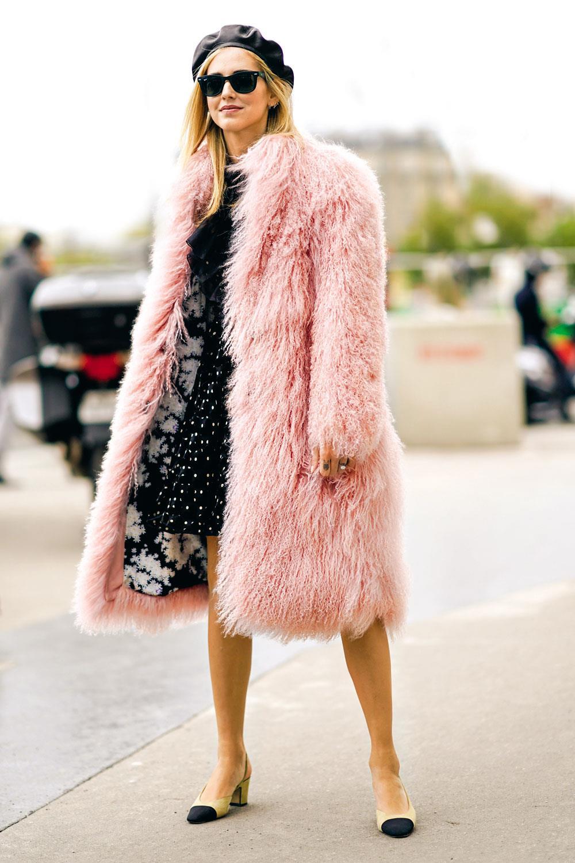 e42f16920b0 abrigos baratos mujer otoño invierno 2018 2019 chiara ferragni. Atrevida  con abrigos de pelo