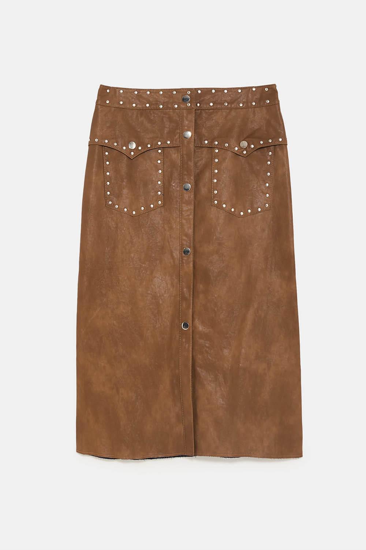 ce80adc81 Cómo llevar la falda midi con estilo