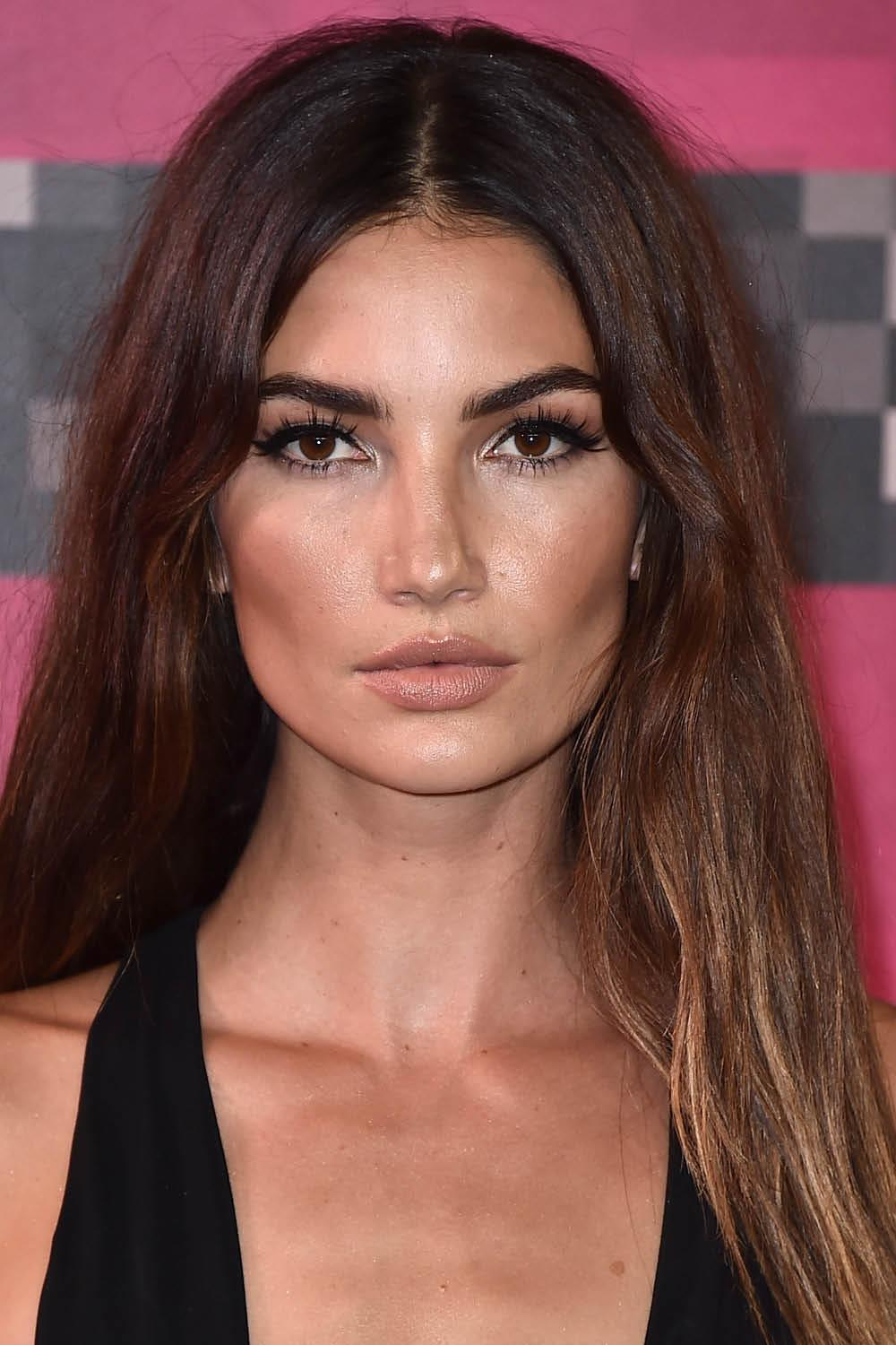 mechas californianas lily aldridge. Mechas californianas para morenas