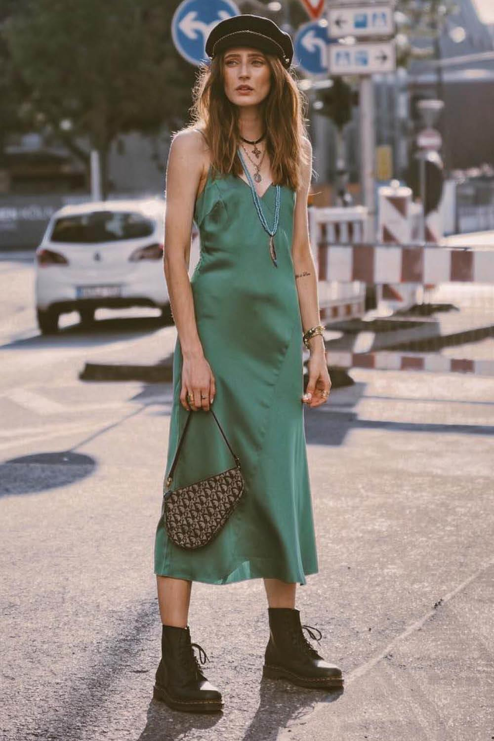 look con dr martens thelfashion. Slip dress