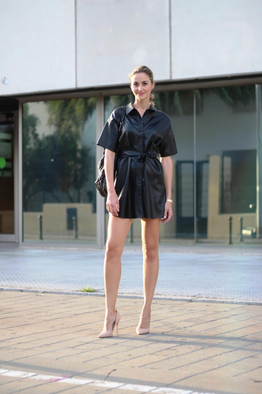 d10716008f vestido cuero ecoblogger streetstyle. El nude nunca falla