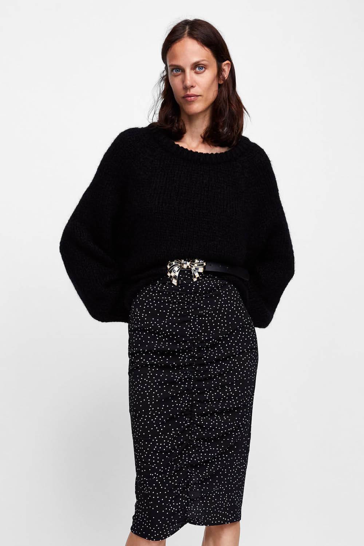 ea37fdb0e zara rebajas otoño invierno mujer falda lunares midi. La falda más deseada