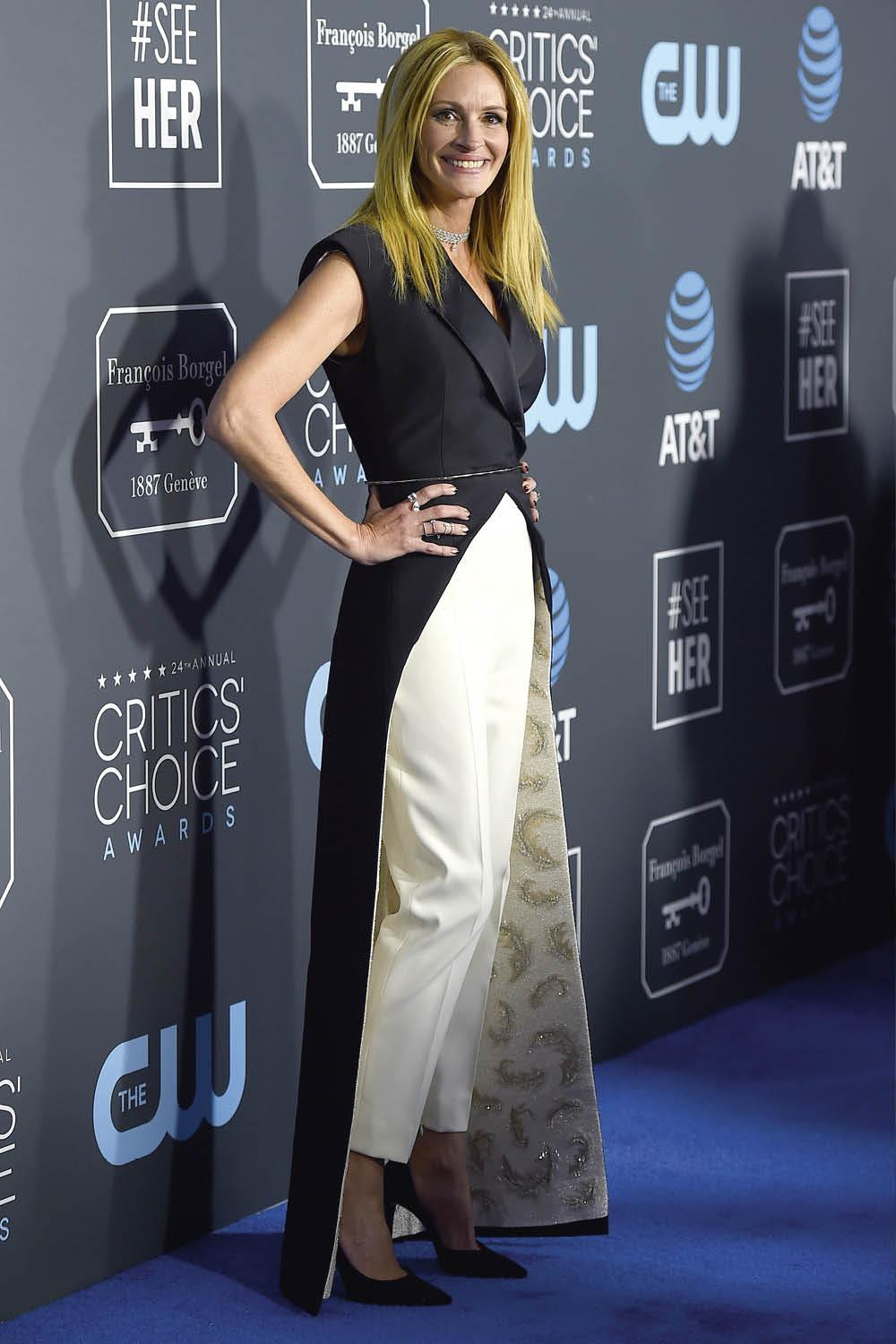 julia roberts pantalones annual Critics' Choice Awards. Lo ha vuelto a hacer