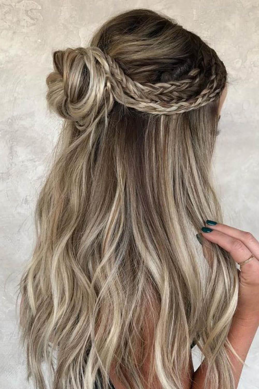 Más agudo peinados semirecogidos Galería de ideas de coloración del cabello - Los peinados semirecogidos más bonitos de esta temporada