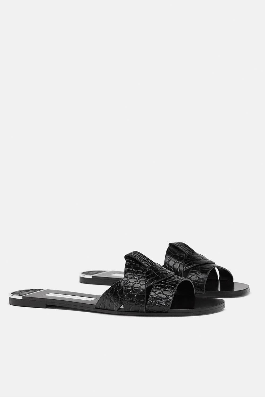 9fc7fcb4019 La sandalia es el calzado que más utilizamos cuando llega el calor así que  para que la primavera no te pille por sorpresa, echa un vistazo a nuestros  ...