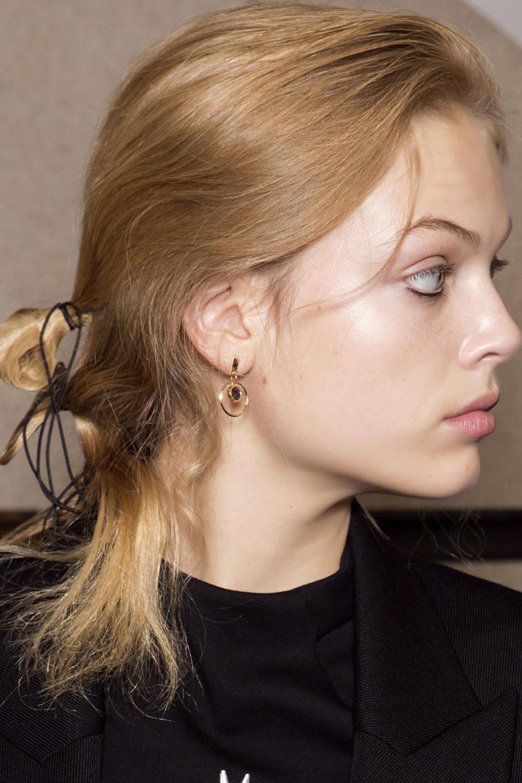 Color de pelo cobre dorado