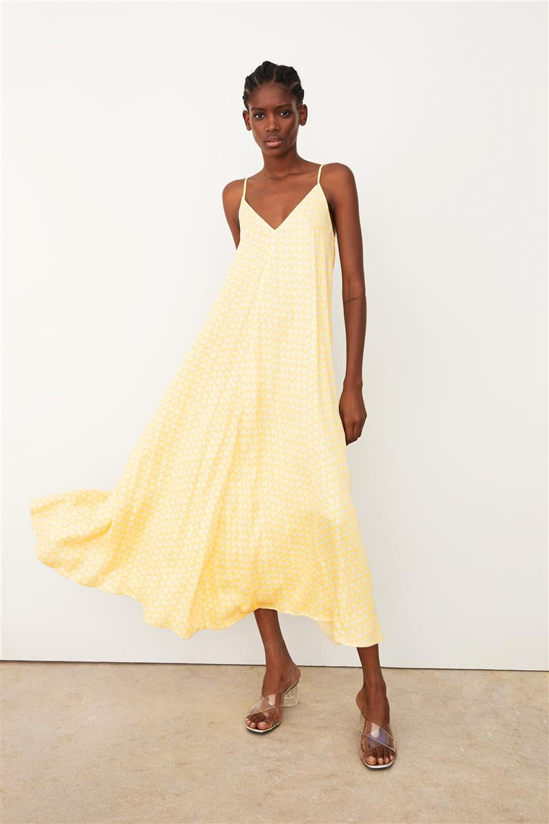 textura clara super barato se compara con comprar bien Por qué no nos fijamos en este vestido de Zara hasta que lo ...