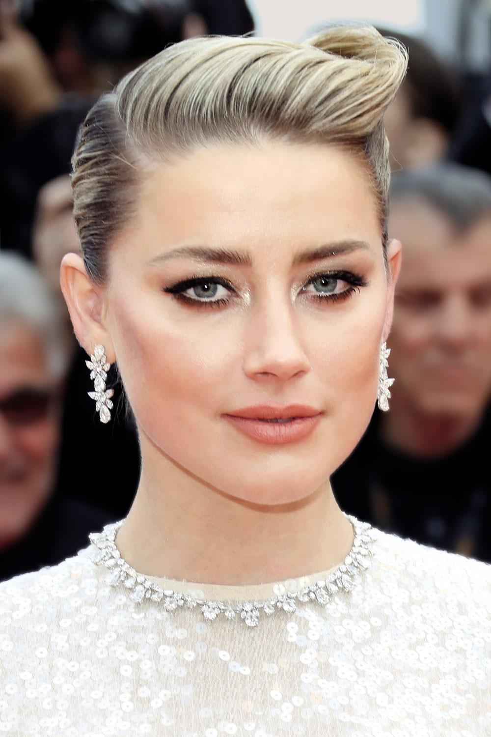 pelo celebrities Amber Heard