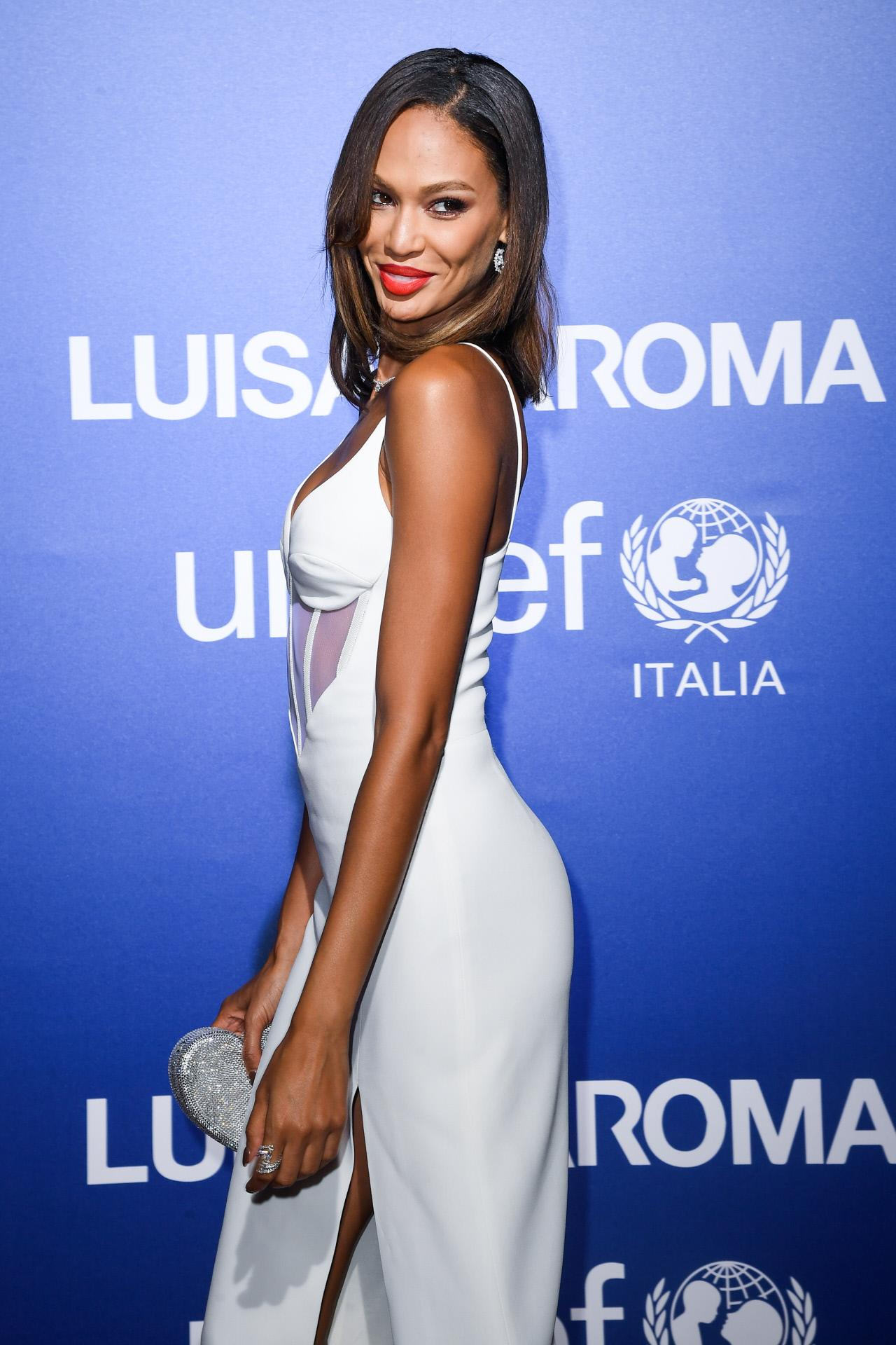 Joan Smalls, de blanco